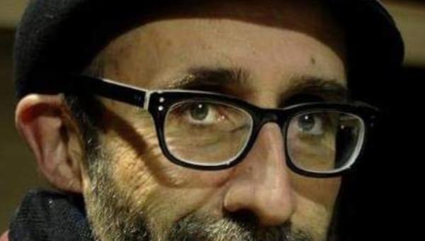 A Asociación Galega de Editoras amosa un profundo pesar polo pasamento de Xulio Amigo